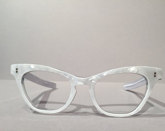 Vintage 60s Pearl White Cat Eye Frames, NOS Vintage 50s 60s Eyewear, Cateye Atomic Accents Eyeglasses Sunglasses, Rockabilly Pin Up Glasses