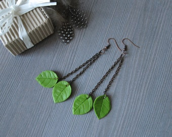Green leaf earrings Leaf jewelry Dangle earrings Drop earrings Chain earrings Nature jewelry Botanical jewelry Woodland jewelry Polymer clay