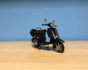 Vintage black scooter vespa miniature,Handmade decorative collectible miniature,Dollhouse miniature,Toy scooter vespa,Doll scooter vespa