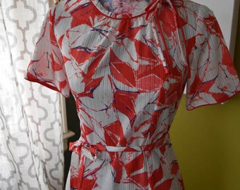1970s Fiesta Floral Print Tie Belt Day Dress in Lipstick Red with Cute Bow Detail