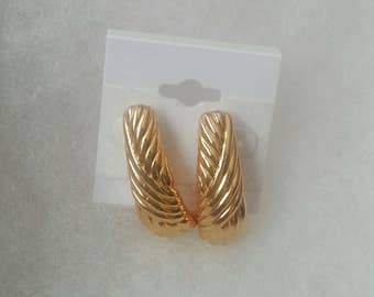 Super Cute Vintage 1960-70 Earrings
