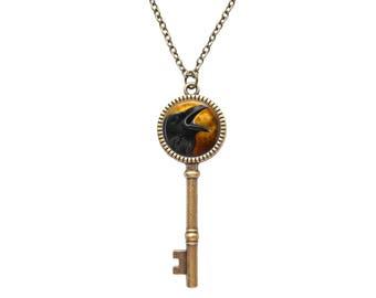 Raven Pendant, Raven Necklace, Crow Necklace, Bird Jewelry, Steampunk gothic Necklace, Black Bird Necklace
