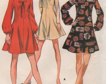Vintage 1960s One Piece Dress V Neckline Long Sleeves Womens Size 12 Sewing Pattern