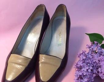 CHANEL VINTAGE SHOES, bicolor burgundy and beige leather