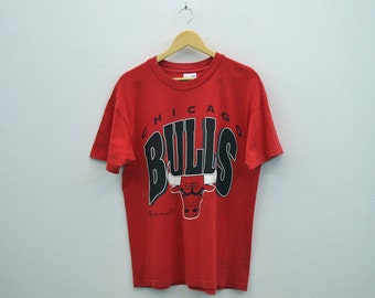 Bulls Shirt Vintage Chicago Bulls T 90s Bulls Red T Bulls Logo Spell Out T NBA Vintage T Made in USA by Hanes Heavyweight Mens Size L