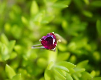 Genuine Ruby Heart-Shaped Vintage Gemstone Ring 10k Yellow Gold (6mm Gem) (Size 5)