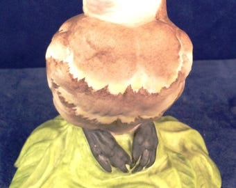 "Boehm Porcelain ""baby cedar waxwing  on a green leaf figurine #432"