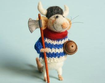 Needle felted Viking. Mouse Viking. Gift. Felted ornament. Cake topper. Felting dreams. Real acorn. Viking nat. Dollhouse mouse. Felt mice