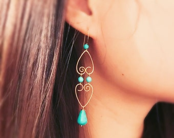Hammered gold wire and turquoise beads dangling earrings