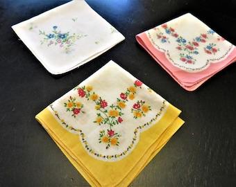 Hankie Set of (3), Floral Print Hankies Ladies Accessories, Vintage Cotton Handkerchiefs, 1950s Ladies Apparel