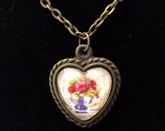 Aged Floral Vintage Heart pendant necklace (ACO2-B6)