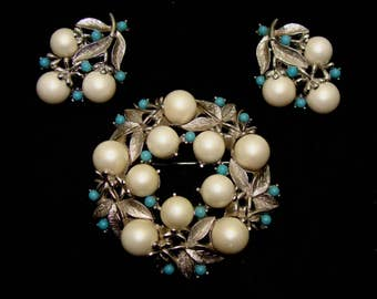 Vintage flower faux pearl brooch set-old wedding jewelry set-pearl turquoise pin earrings set-old demi parure-vintage jewelry set