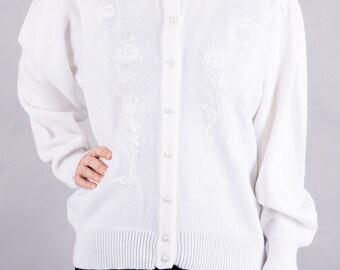 White Cardigan Sweater - knit Cardigan - 90 s Cardigan with beads - vintage 1990 - size M-L - ladies Cardigan - white - simple - elegant
