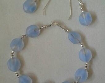 Simply sweet!  Bracelet and earring set