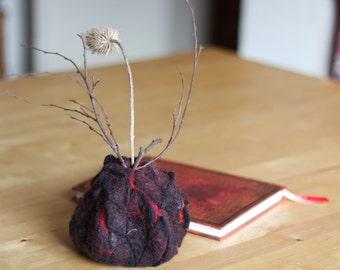 felt vase volcano deco felted vessel vulcan decoration felting textile art black red handcraft handcrafted crafts felt design TaFiO