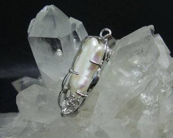 Natural Pearl Pendant.