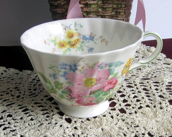 Royal Doulton Arcadia H4802 Swirled Bone China Tea Cup Only - Made in England