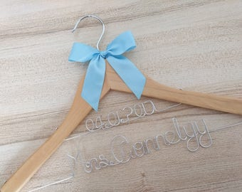 Hanger with date ,Personalized Wedding Hanger, bridesmaid gifts, name hanger, brides hanger bride gift,bride hanger for wedding dress