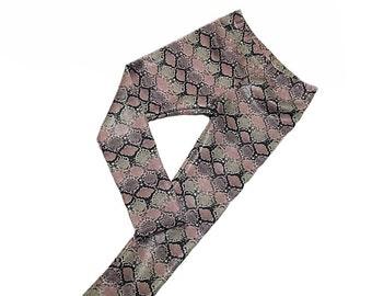 Blush/grey snake skin leggings