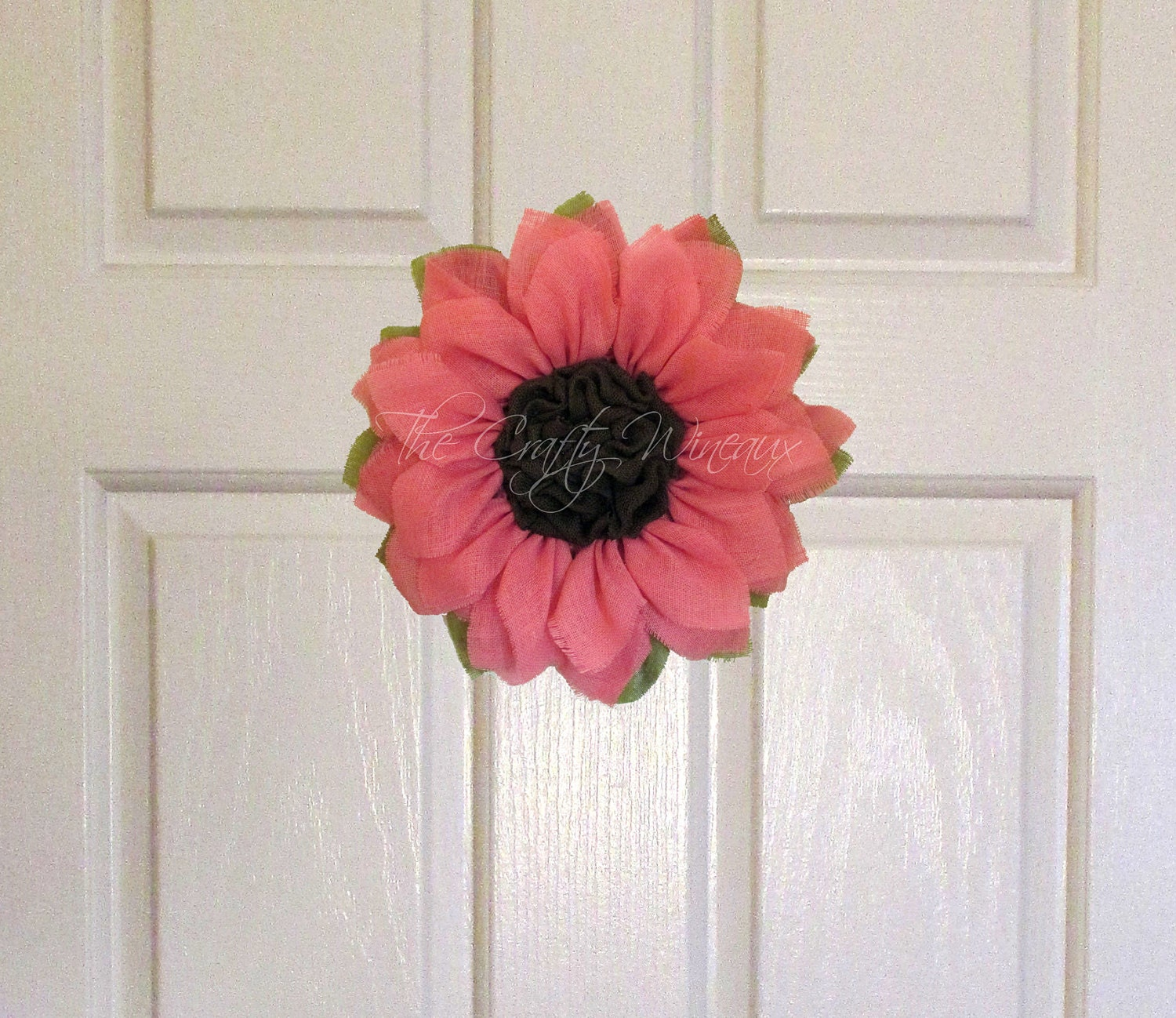 Small light pink burlap sunflower wreath by thecraftywineaux for Burlap wreath with lights