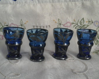 4 Blue Shot Glasses with Silver Gilding Pattern