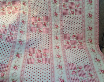 Pink and white baby girl quilt