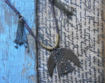 Nomad necklace - Ethnic necklace - bird necklace - protection - bronze bird Locket necklace