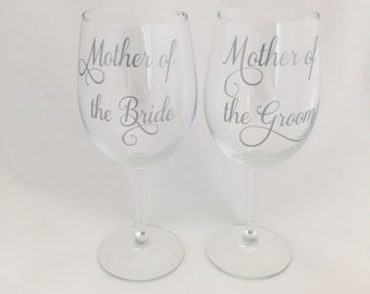 Mother of the Bride and Mother of the groom wine glass set, Mother of the Bride and Mother of the Groom Wine Glasses, weddings