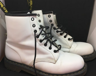 Vtg Dr. Martens Mens Boots 10 White High Ankle Leather Lace Up