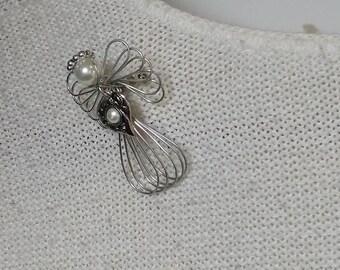 Vintage Silvertone Wire Angel Brooch Pin