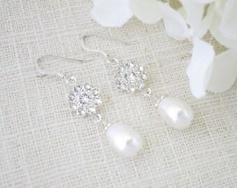 Swarovski rhinestone and pearl earring, Pearl teardrop wedding earring, Crystal and pearl bridal earring