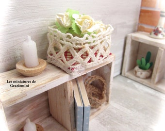 Miniature lace basket - scale 1:12- Dollhouse miniature