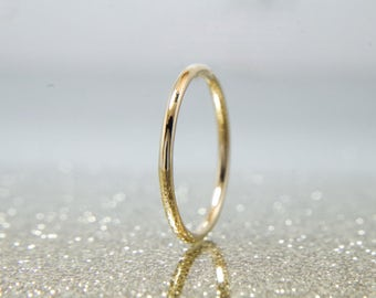 Handmade gold band, 9ct/18ct gold stacking ring - dainty wedding band - gold stacker ring