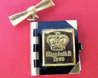 Charming 1953 Elizabeth R Coronation Photo Book Brooch