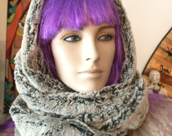 Infinity Scarf - Luxury Faux Fur