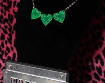Laser cut 3x heart jewel necklace