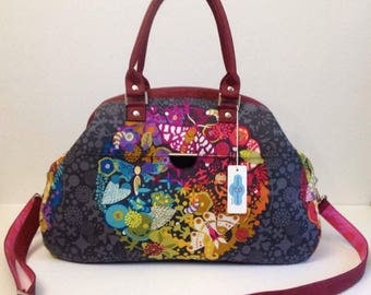 Retro style Large Carpetbag - Gorgeous Alison Glass Exlibris fabric - bordeaux portuguese cirk and tula pink interior