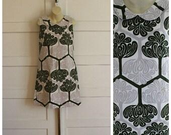 1960s Mod A-Line Peter Pan Collar Psychedelic Print Dress / Medium Vintage / Mod Dress