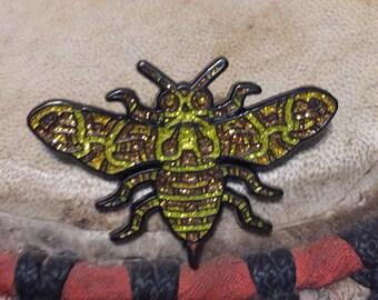 Beez hat pin glitter