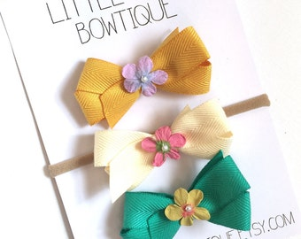 Set of 3 // Basic Boutique Style Hair Bow // Flower Center
