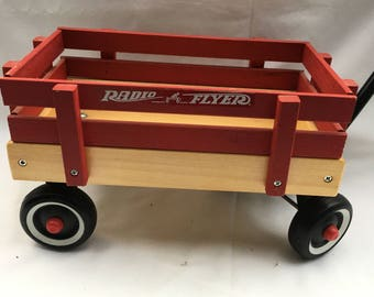 Vintage 70's small Radio Flyer solid wood wagon with plastic handle and wheeles. Radio Flyer wagon. Little red wagon. Small pull wagon.