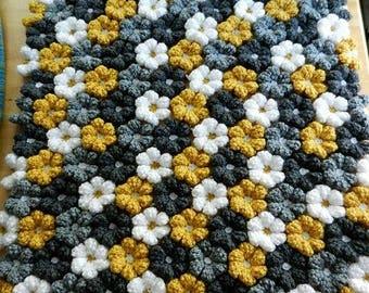 Crochet flower puff baby blanket