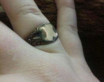 Victorian ring antique ring old rind 10k ring 10 karat ring gold filled ring