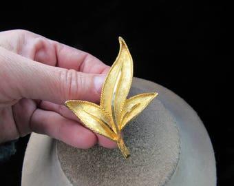 Vintage Large Goldtone Floral Pin
