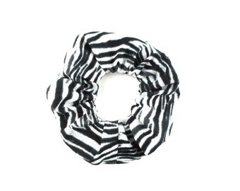 Scrunchie - black and white zebra