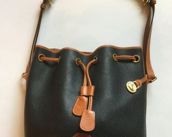 Vintage Dooney and Bourke Large Crossbody purse