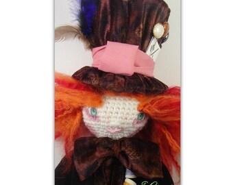 Mad Hatter doll crochet and sewing - Chapelier fou poupée au crochet et couture