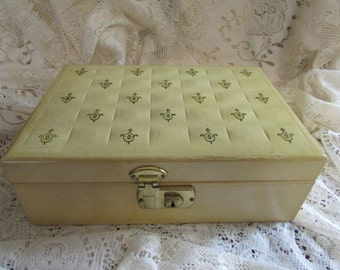 Color cream VINTAGE Jewelry Box BOND St Jewel box Corp. Made jewelry box jewelry box In New York Vtg Retro 1950