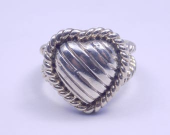 Beautiful sterling silver heart ring size 5.5