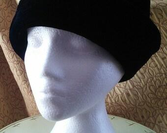 Black Velvet brimmed cloche from Joy Topper // small velvet hat with brim, 1980's